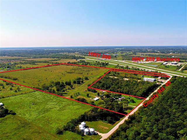 1020 County Road 49, Angleton, TX 77515 (MLS #97457872) :: The Property Guys