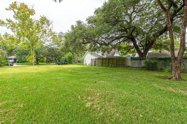 4013 Woodhaven Street, Houston, TX 77025 (MLS #97502888) :: The Freund Group