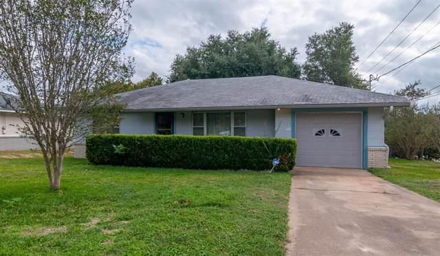 207 Goessler Street, Brenham, TX 77833 (MLS #97550149) :: The SOLD by George Team