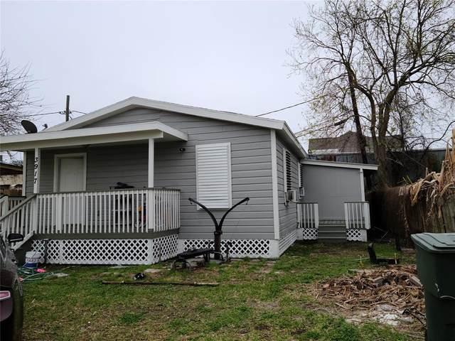3917 Sealy Street #1, Galveston, TX 77550 (MLS #97566983) :: The Freund Group