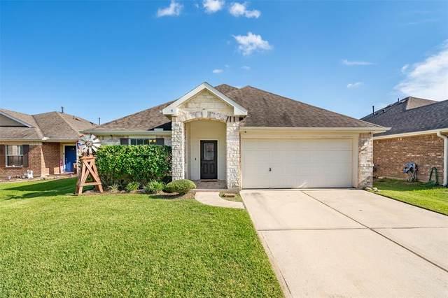 10518 Devinwood Drive, Baytown, TX 77523 (MLS #97823928) :: NewHomePrograms.com