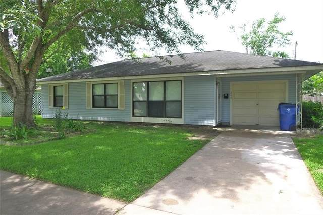 208 S Mattson Street, West Columbia, TX 77486 (MLS #97874109) :: The SOLD by George Team