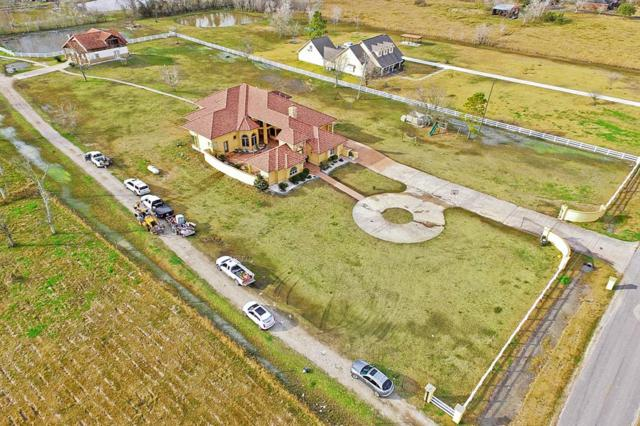 11824 Country Side Dr, Rosharon, TX 77583 (MLS #97951467) :: All Cities USA Realty