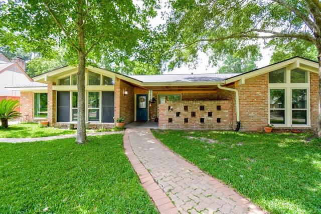 4107 Shady Springs Drive, Seabrook, TX 77586 (MLS #98140249) :: Bay Area Elite Properties
