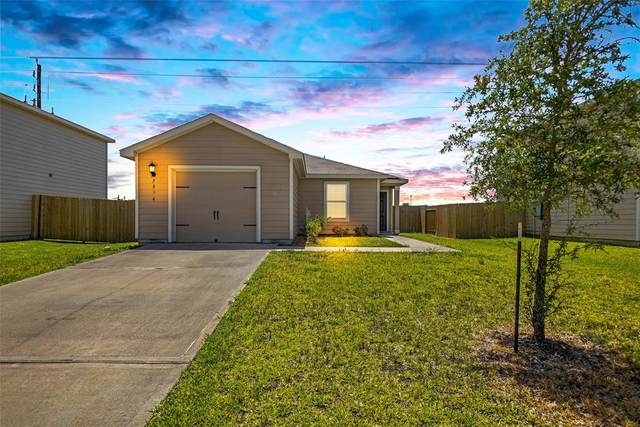 5834 Golden Cove Road, Cove, TX 77523 (MLS #98153000) :: The Bly Team