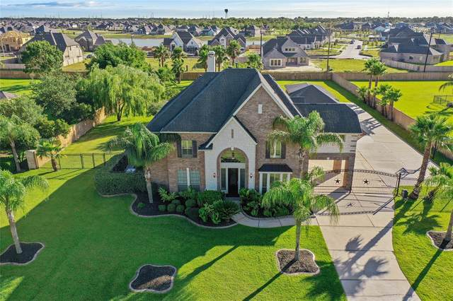 3949 Pebble Brook Drive, League City, TX 77573 (MLS #98165684) :: The Bly Team