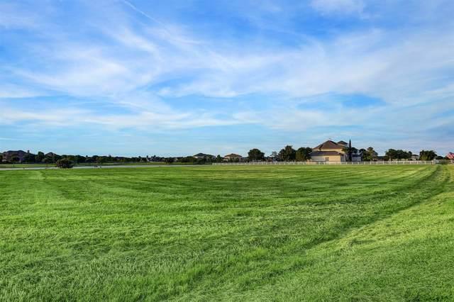 1402 Mulberry Farm Lane, Richmond, TX 77469 (MLS #98229853) :: The Jennifer Wauhob Team