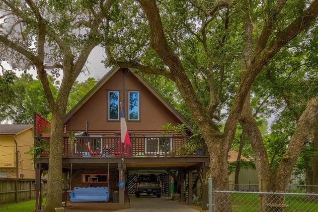 3206 Derrick Street, Bacliff, TX 77518 (MLS #98449978) :: The Bly Team