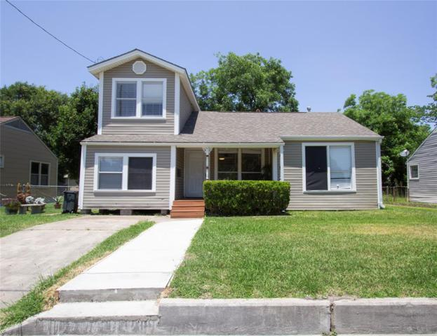 217 E 4th Street, Deer Park, TX 77536 (MLS #98483233) :: The SOLD by George Team