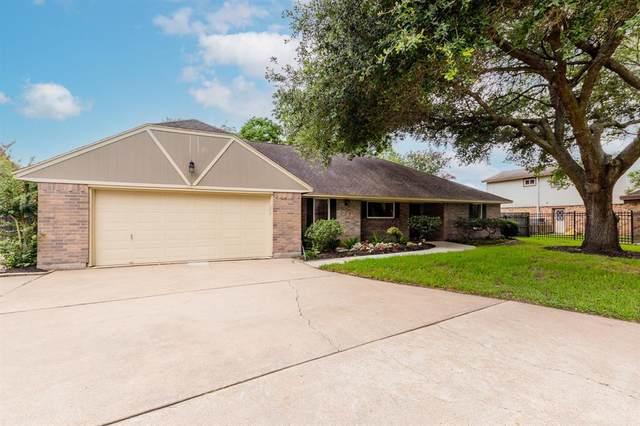 3714 Rau Drive, Dickinson, TX 77539 (MLS #98494051) :: Rachel Lee Realtor