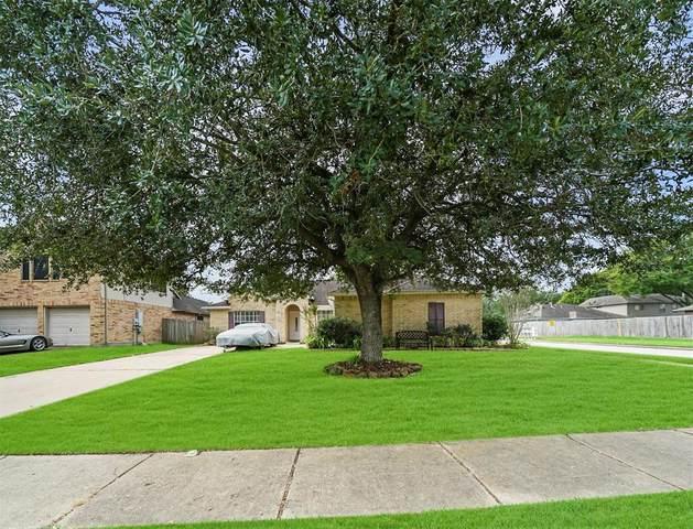 1802 Kemah Oaks Drive, Kemah, TX 77565 (MLS #98514576) :: Ellison Real Estate Team