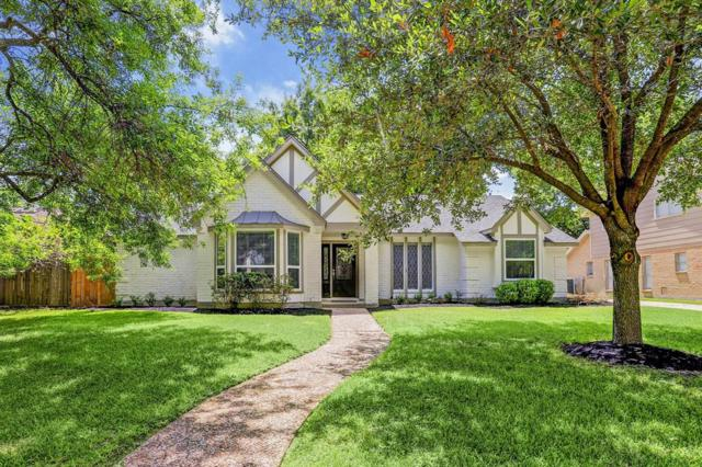 2611 Durban Drive, Houston, TX 77043 (MLS #98530346) :: The SOLD by George Team