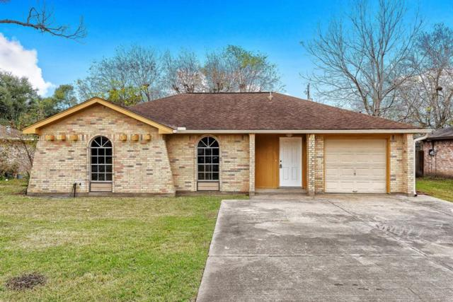 705 E Plum Street, Angleton, TX 77515 (MLS #98559781) :: The SOLD by George Team
