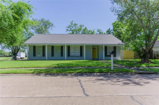 711 Huntington Lane, Friendswood, TX 77546 (MLS #98606210) :: Texas Home Shop Realty