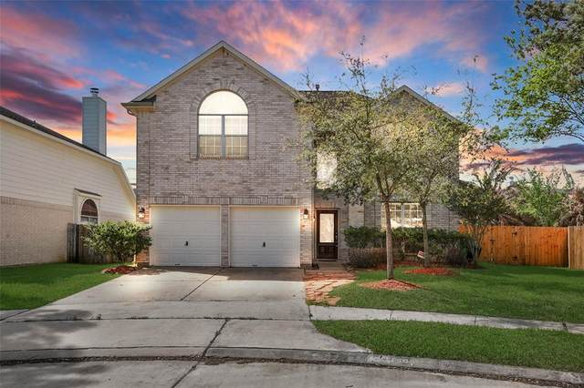 11404 Tidenhaven Court, Pearland, TX 77584 (MLS #98676330) :: The Sansone Group