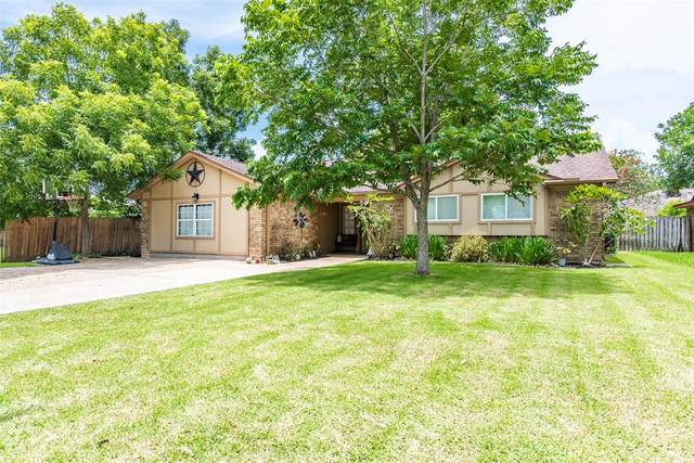 360 Merriwether Drive, Alvin, TX 77511 (MLS #98867378) :: Phyllis Foster Real Estate