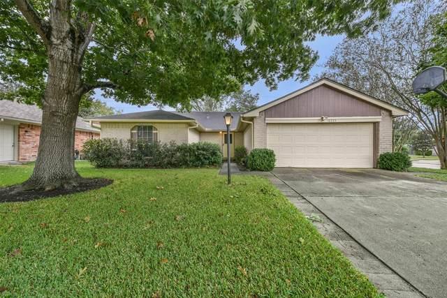 16355 Sierra Grande Drive, Houston, TX 77083 (MLS #98891919) :: Ellison Real Estate Team