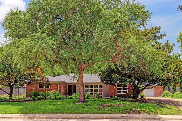 8426 Braes Boulevard, Houston, TX 77025 (MLS #98993817) :: Fairwater Westmont Real Estate