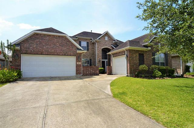 108 Lamar Canyon Lane, Friendswood, TX 77546 (MLS #99160854) :: REMAX Space Center - The Bly Team
