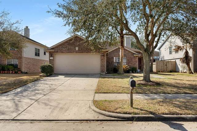 4902 Mill Creek Drive, Baytown, TX 77521 (MLS #9934058) :: The Parodi Team at Realty Associates