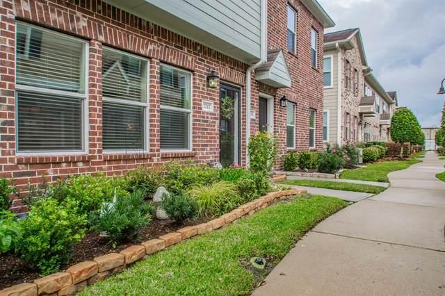1717 Kemah Village Drive, Kemah, TX 77565 (MLS #9957348) :: The SOLD by George Team