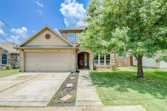 2325 Shady Tree Lane, Conroe, TX 77301 (MLS #9985868) :: The Parodi Team at Realty Associates