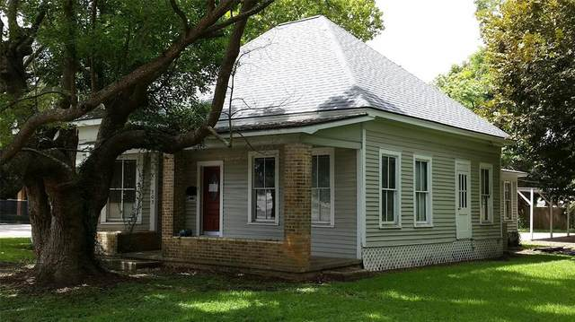 303 E Locust Street, Angleton, TX 77515 (MLS #10384609) :: Caskey Realty