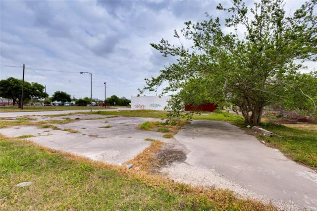 3419 Market Street, Baytown, TX 77520 (MLS #10700113) :: The SOLD by George Team