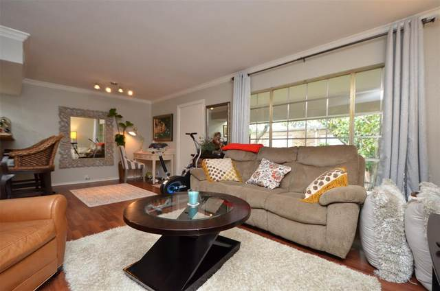 2201 Fountain View Drive #24, Houston, TX 77057 (MLS #12854162) :: The SOLD by George Team
