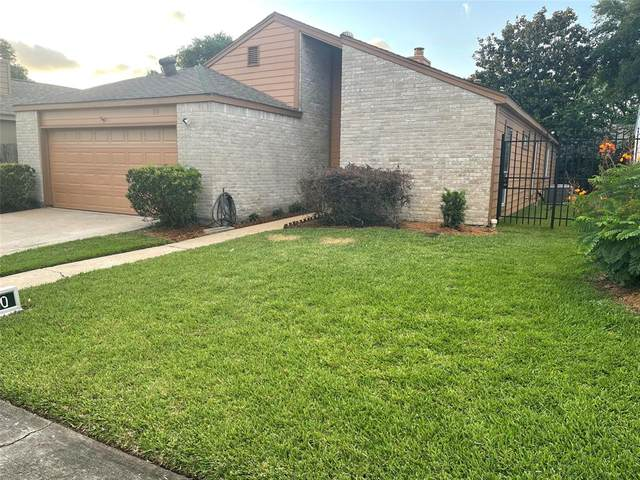 12800 Briar Forest Drive #20, Houston, TX 77077 (MLS #14582276) :: The Property Guys