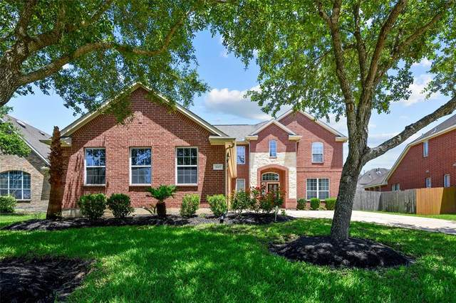 3007 Willow Brook Court, Pearland, TX 77584 (MLS #15907261) :: The Bly Team