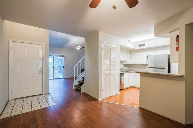 10811 Richmond Avenue #68, Houston, TX 77042 (MLS #17218604) :: Ellison Real Estate Team
