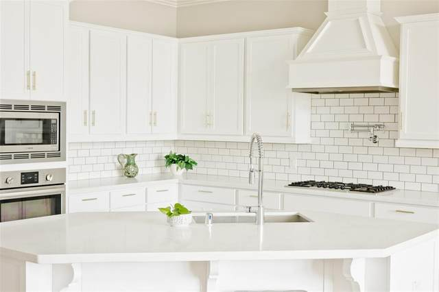 62 Floral Hills Ln, Fulshear, TX 77441 (MLS #17763825) :: Lerner Realty Solutions