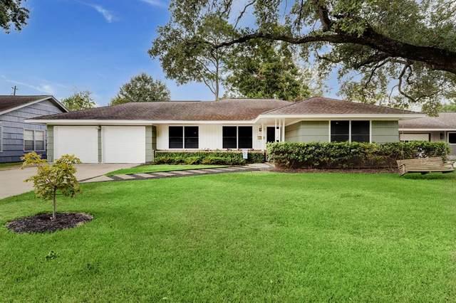 4730 Kingfisher Drive, Houston, TX 77035 (MLS #18085832) :: Guevara Backman
