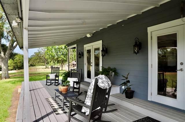 9809 Mazoch Road, Weimar, TX 78962 (MLS #19292800) :: The Home Branch