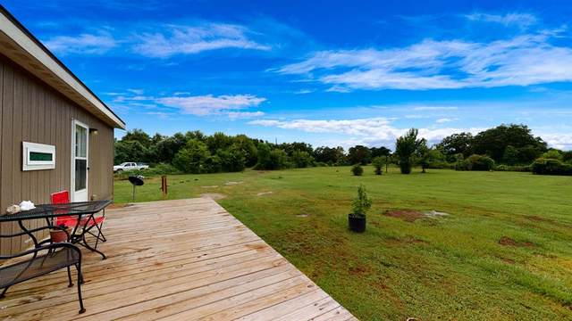 4551 Angier Road, Rosharon, TX 77583 (MLS #20728580) :: All Cities USA Realty