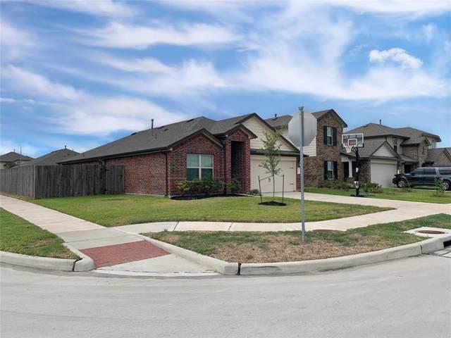 8126 Fieldfare Drive, Rosharon, TX 77583 (MLS #22615520) :: NewHomePrograms.com LLC