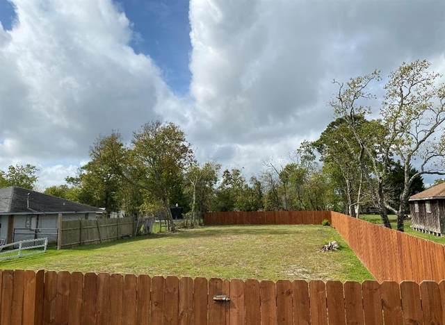 317 S Pecan Drive, Texas City, TX 77591 (MLS #22685081) :: My BCS Home Real Estate Group