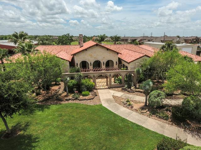 2517 Sierra Madre, Friendswood, TX 77546 (MLS #22849052) :: Texas Home Shop Realty