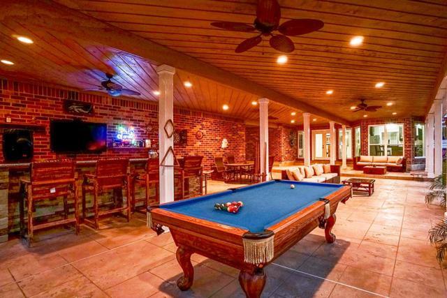 20010 Pinehurst Place Drive, Humble, TX 77346 (MLS #24151376) :: Carrington Real Estate Services