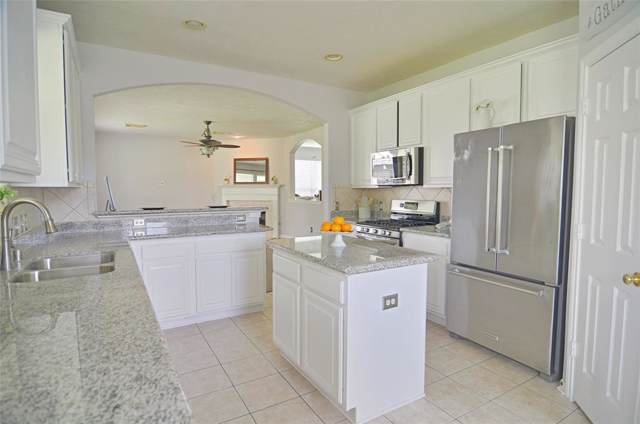316 Diamond Bay Drive, Dickinson, TX 77539 (MLS #25841784) :: TEXdot Realtors, Inc.