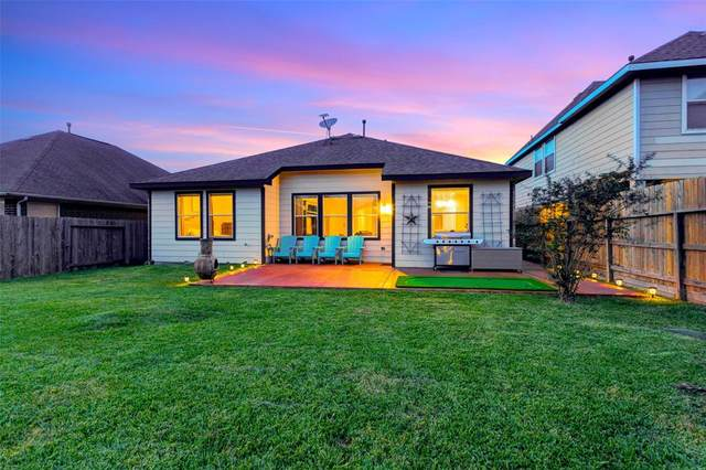 4806 Legends Bay Drive, Baytown, TX 77523 (MLS #25845432) :: Texas Home Shop Realty