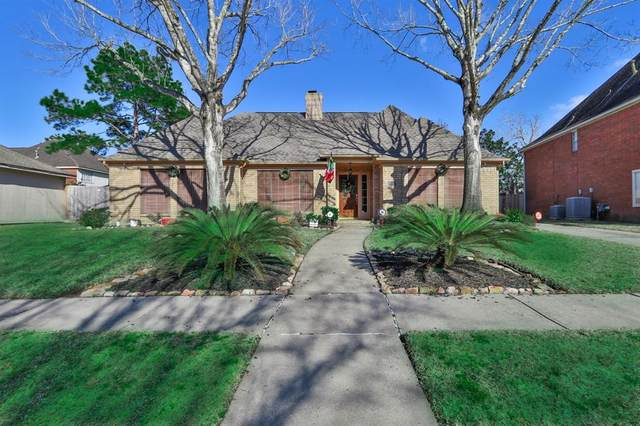 2101 Riverside Drive, League City, TX 77573 (MLS #27118478) :: The Bly Team
