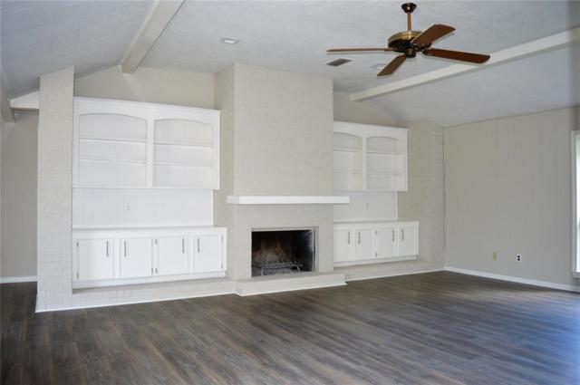 822 Lake Villa Drive, Seabrook, TX 77586 (MLS #27811411) :: Texas Home Shop Realty