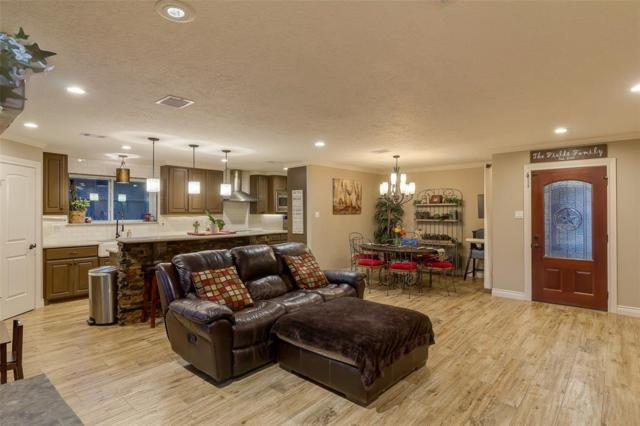 112 April Wind Drive, Montgomery, TX 77356 (MLS #2846870) :: The Home Branch