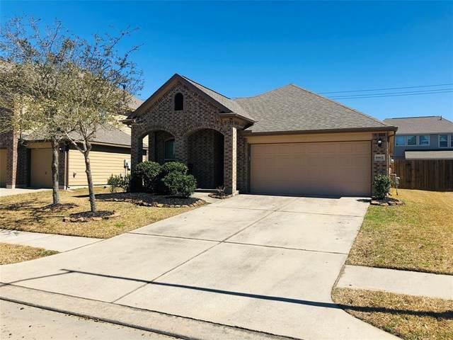 6902 Hunters Trace Lane Street N, Baytown, TX 77521 (MLS #28486631) :: The Home Branch