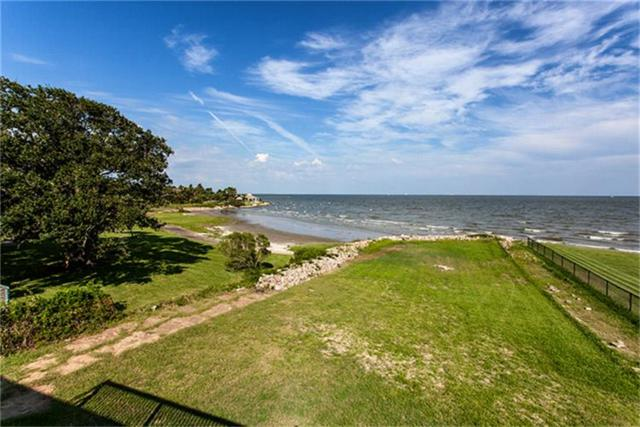 4302 Todville Road, Seabrook, TX 77586 (MLS #29777505) :: REMAX Space Center - The Bly Team