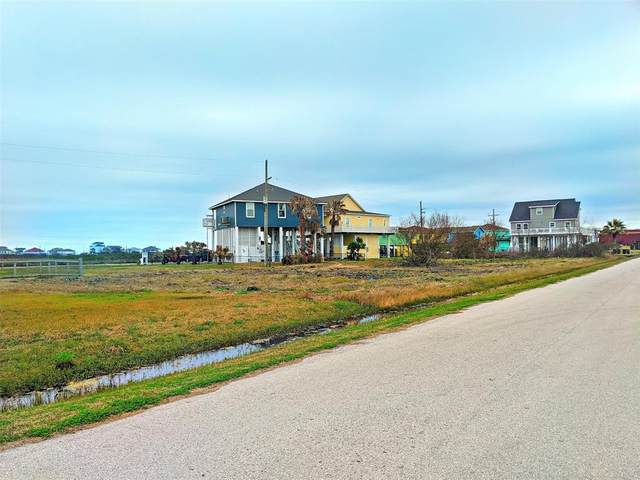 916 Melody Lane, Crystal Beach, TX 77650 (MLS #31302951) :: All Cities USA Realty