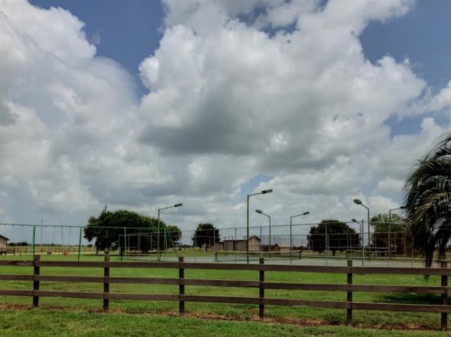 620 Quarter Horse Trail, Angleton, TX 77515 (MLS #31496014) :: Fairwater Westmont Real Estate