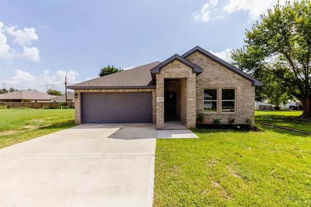 819 Easy Street, La Porte, TX 77571 (MLS #31698099) :: Texas Home Shop Realty